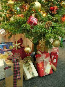 Aiuto Regali Natale.Consigli Sui Regali Di Natale Consigli Pratici E Idee Sfiziose Per Tutti I Gusti