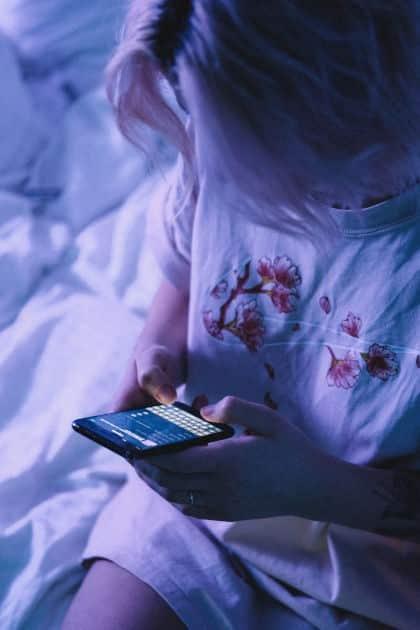 Lo smartphone rovina la relazione di coppia: il phubbing • lo smartphone rovina la relazione di coppia