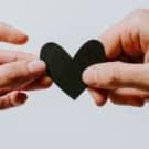 """Come gestire una relazione a distanza: """"due cuori e migliaia di chilometri"""""""