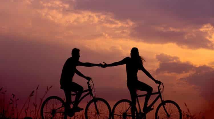 Relazione a distanza: 5 consigli utili per un amore in quarantena • relazione a distanza