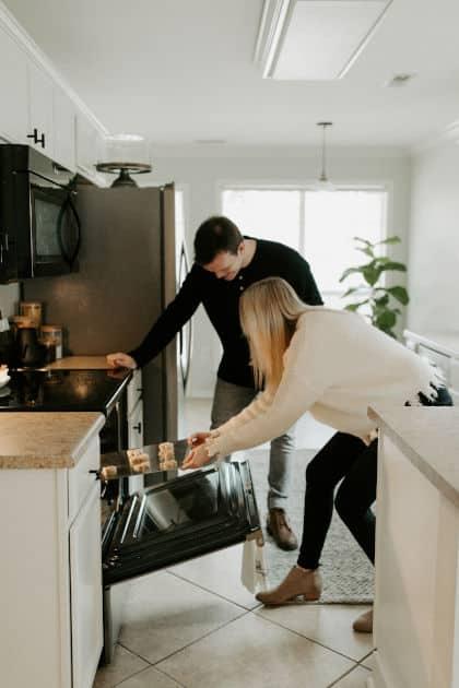 Cosa fare a casa in quarantena: 15 idee per le coppie • cosa fare a casa in quarantena
