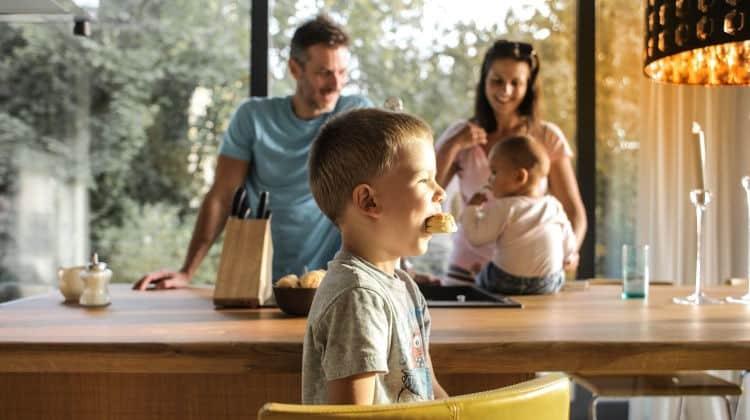 Primo figlio: come cambia la vita di coppia. Intervista a Giusi e Giovanni • primo figlio