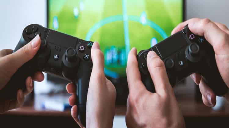 Convivenza noiosa? 7 Consigli per divertirsi assieme con i videogiochi