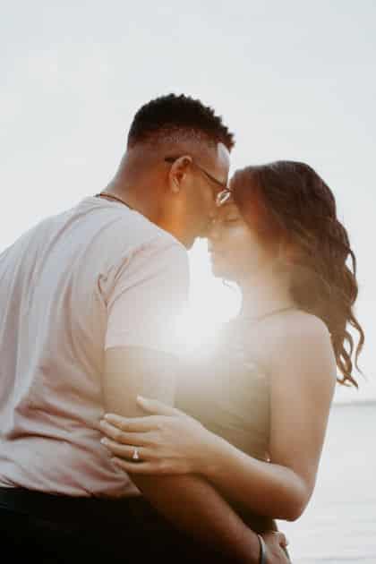 """I linguaggi dell'amore: come dire """"ti amo"""" all'anima gemella • i linguaggi dell'amore"""